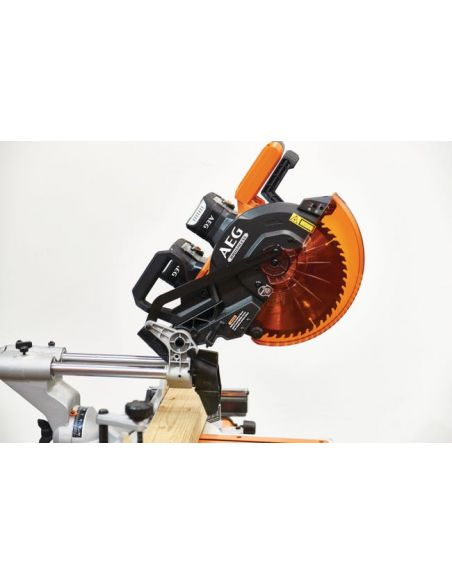 Vue profil scie à onglet radiale AEG 18V BPS18-254BL-0